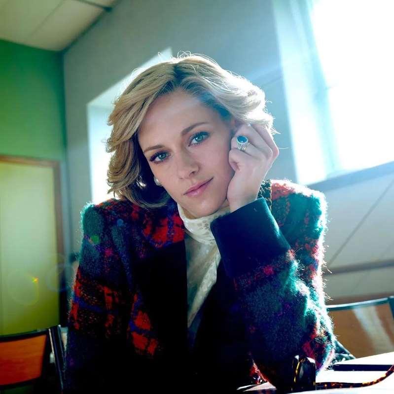 Nueva imagen de Kristen Stewart como Lady Diana, para la película 'Spencer', causa revuelo en las redes